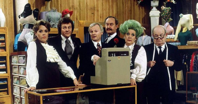 Are You Being Served? tv sitcom 1980s seriale komediowe