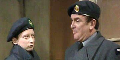 Get Some In! tv sitcom British seriale komediowe