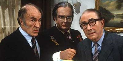 Oops, apokalipsa tv sitcom British seriale komediowe