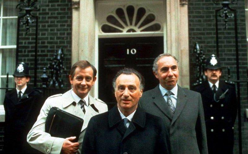 Tak, panie premierze tv sitcom Best British seriale komediowe