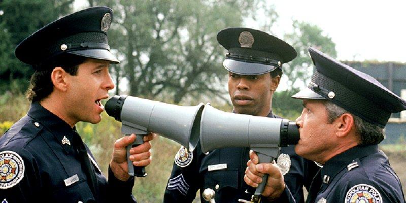 Akademia policyjna filmowa seria komediowa 1994